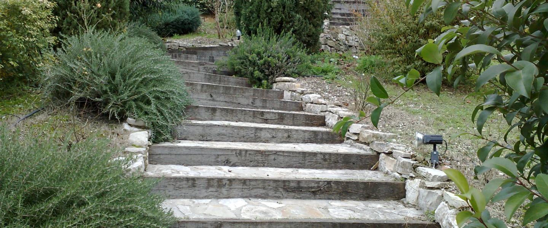 Scale Murate In Legno E Pietra